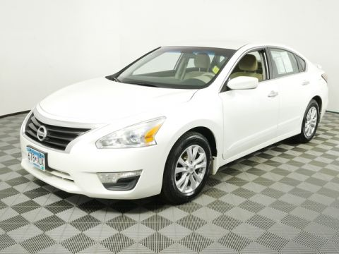 Pre-Owned 2014 Nissan Altima FWD Sedan