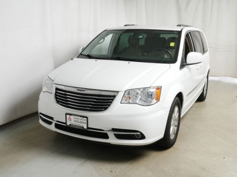 Pre-Owned 2014 Chrysler Town & Country Touring FWD Minivan/Van