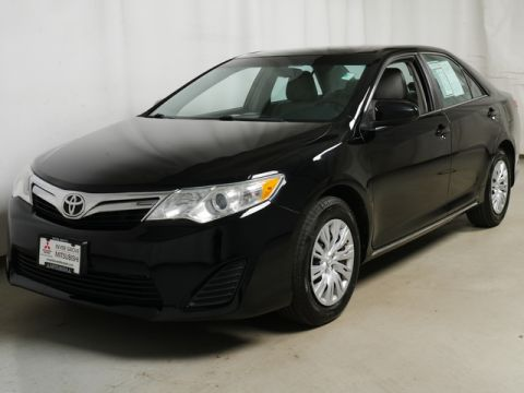 Pre-Owned 2012 Toyota Camry FWD Sedan